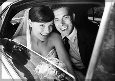 Wedding-Couple-In-Car